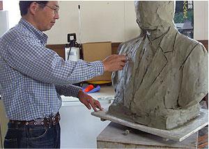 銅像制作の様子